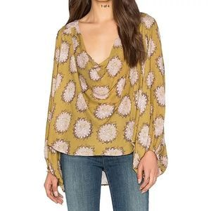 Free People Cowling Around drape front blouse sz L